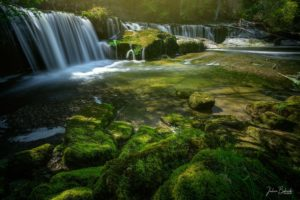 Green Path to waterfalls (Chutes des Chavanettes - Suisse)