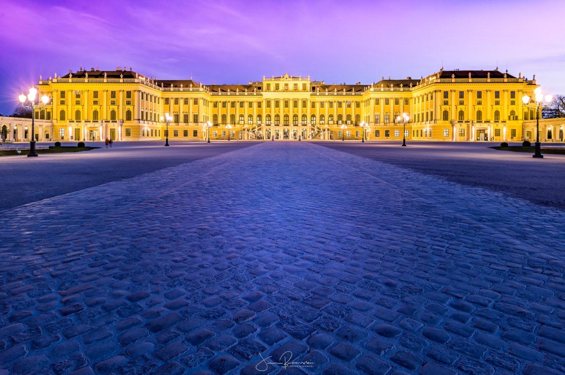 Schonbrunn by night